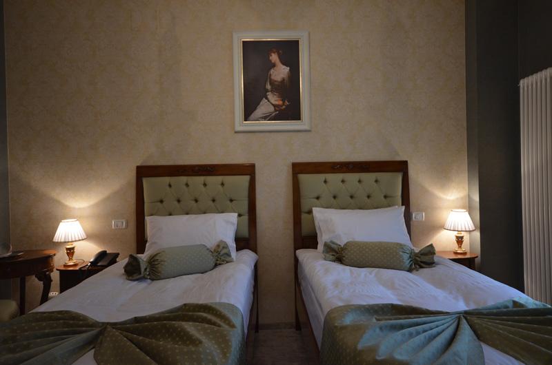 Room 9 - Standard Twin